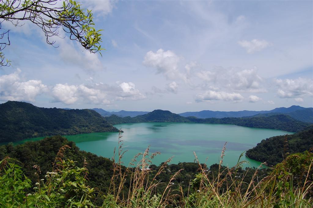 Danau-Sano-Nggoang